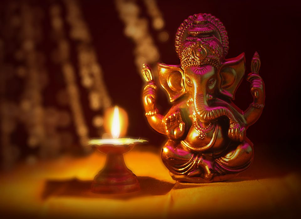 https://divinityworld.com/wp-content/uploads/2020/08/Lord-Ganesha-960x700.jpg